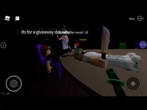 Playing on first person on duos!(roblox breaking point