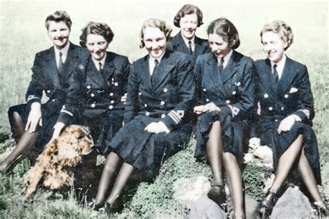 Love and War in the WRNS by Vicky Unwin - review: Wren's
