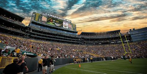 GREEN BAY PACKERS TUNDRAVISION - Wild Blue Technologies