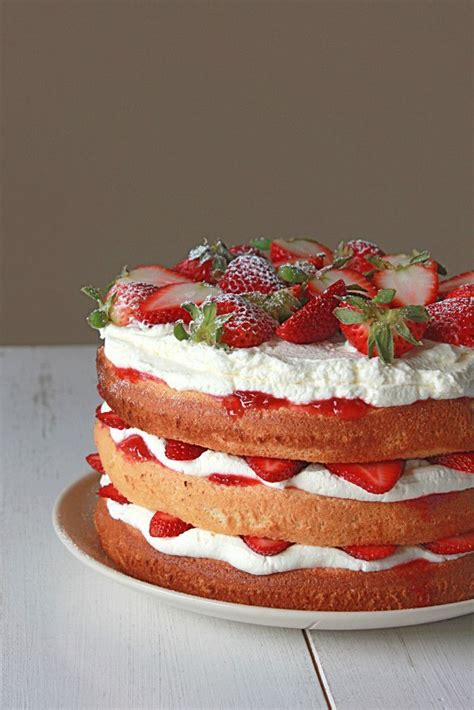 Pin on Sweet Recipes - CAKES OF STRAWBERRY, RASPBERRY