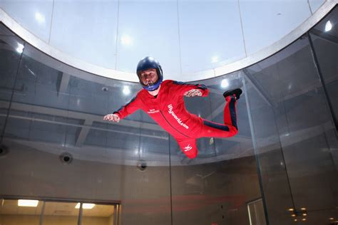 Rosemont, Illinois - Skydiving indoors - Pictures - CBS News